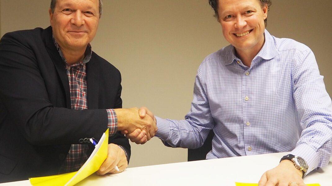 Lennart Lundin, chef på Arbetsförmedlingens arbetsgivarcenter i Stockholm och Fredrik Gren, VD Ambea