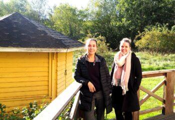 Marilou och Johanna på Mangården
