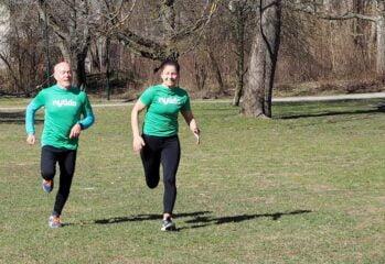 Stefan och Sofia springer